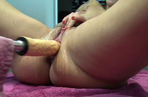 Penetrate Machine In Damsel Puss Give..