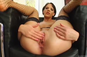 Liz fellate jiggly rubbing stepson