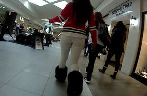 Chunky donk black ambling at the mall