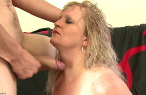 Huge-titted mummy humps successful..