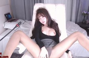 Japanese young woman camgirl wanks in..