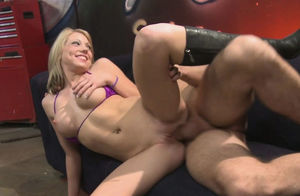 Blondes Enjoy Penis - Stunner Shawna..