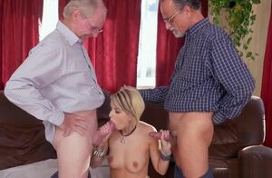 Presley Carter Gives Dt And Porks..