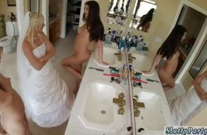 Unexperienced undress soiree Bridesmaids